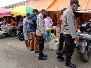 Polsek Alla Polres Enrekang Gelar Operasi Yustisi Masker di Pasar Sudu