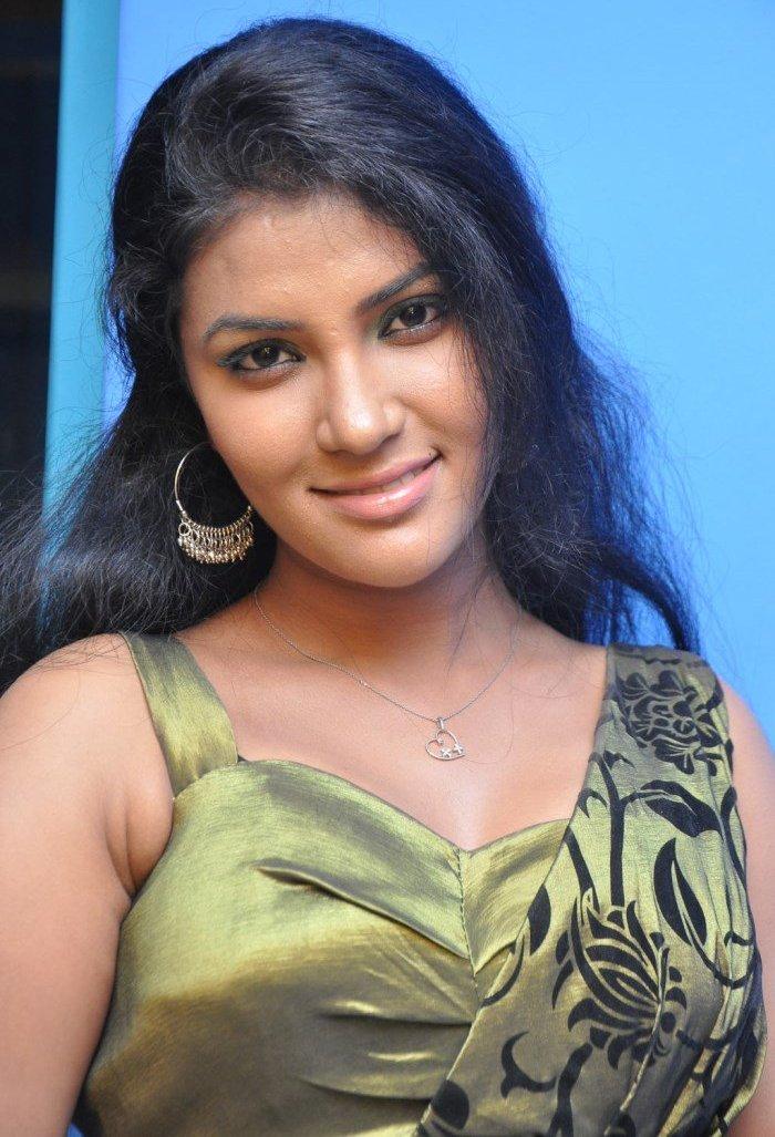 Telugu Actress Rythamika Sexy Hot Photos, Images, Stills -7992
