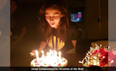 alia-bhatt-blewing-candles-instagram