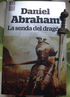 Portada del libro La senda del dragón, de Daniel Abraham