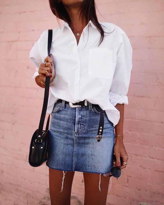 Saia jeans e camisa branca