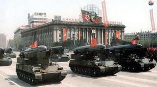 Barisan Tank Milik Pasukan Korea Utara - Sekitar Dunia Unik