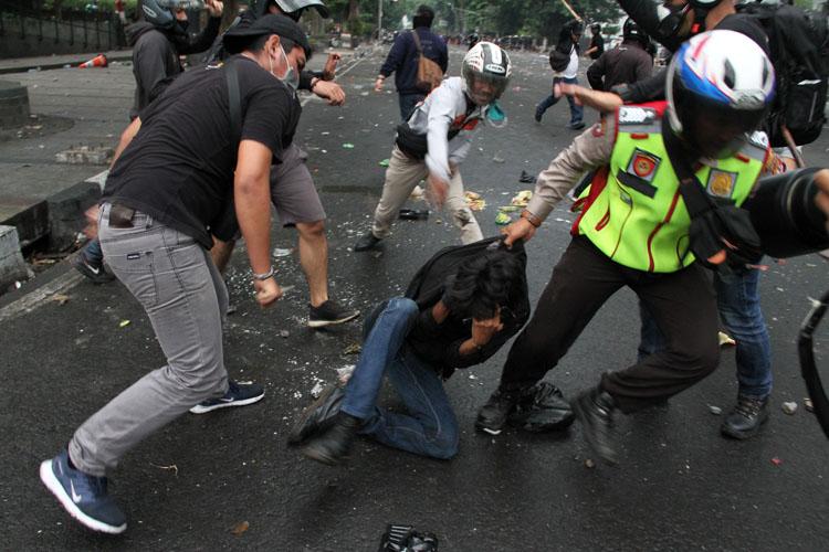 Jadi Pelaku Kekerasan Terbanyak Terhadap Jurnalis, Polri: Kami Sedih & Minta Maaf, Itu Cuma Ulah Oknum