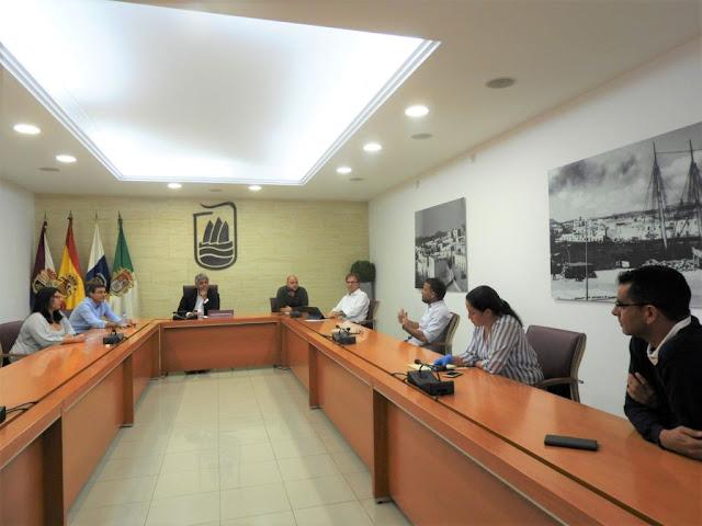AYTO%2BY%2BAUTONOMOS%2BREUNI%25C3%2593N - Fuerteventura.-  Puerto del Rosario se reúne con representantes de la nueva Asociación de autónomos y empresarios de la isla.