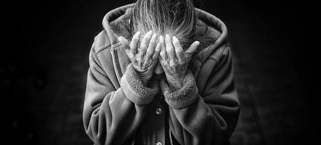 Un número cada vez mayor de personas mayores sufren de la adicción a las drogas.Unsplash/Cristian Newman