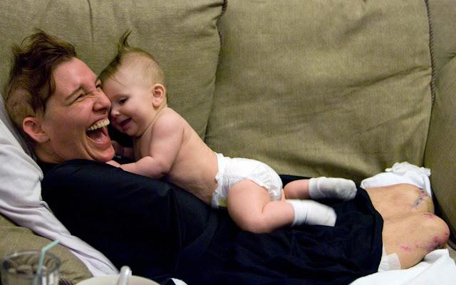 Женщина лишилась рук и ног, чтобы дать жизнь своему третьему ребёнку