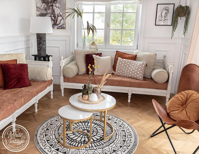 Wohnzimmer in herbstlichen Farben dekorieren