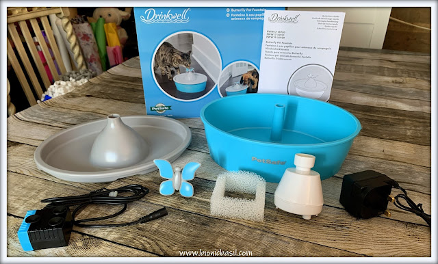 What's In The Box ©BionicBasil® The Drinkwell® Butterfly Pet Fountain Unboxed