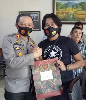 Santap Siang Bersama Awak Media, Kapolres Pangkep Sampaikan Permohonan Maaf
