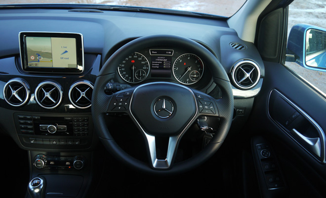 Mercedes-Benz B180 Eco SE dashboard