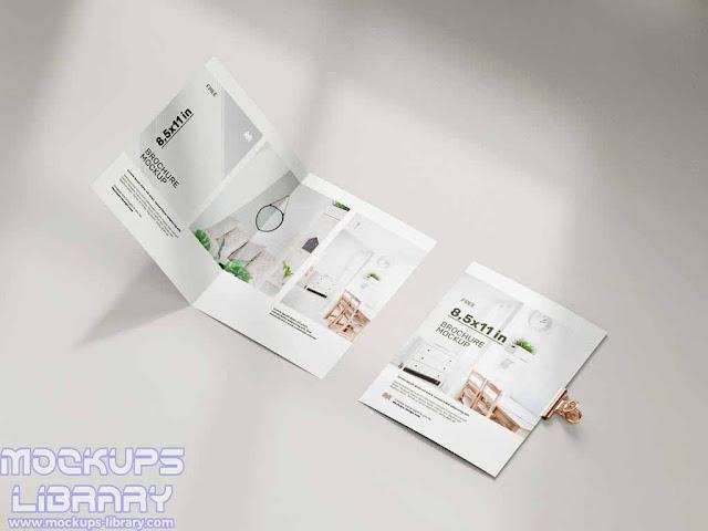 folded brochure mockup 3