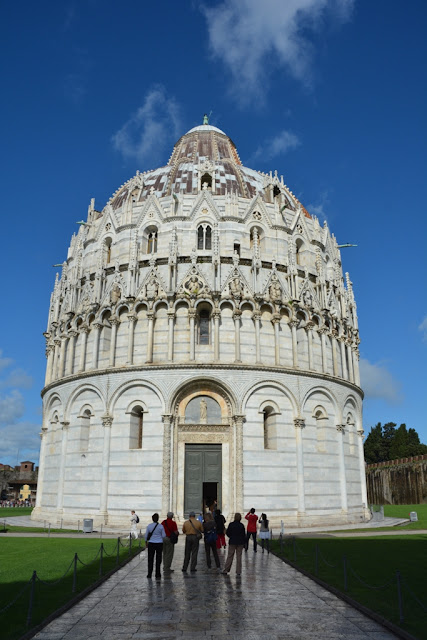 Miracle square Pisa Baptistry
