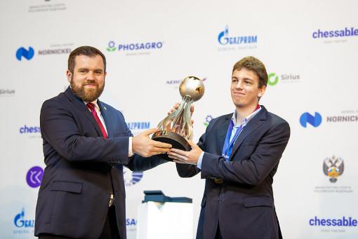 Lukasz Turlej qui a remis le trophée au vainqueur Jan-Krzysztof Duda et a officiellement clôturé le tournoi - Photo © David Llada