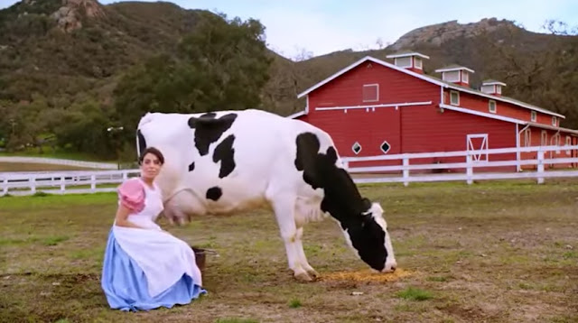 Gadis perah susu