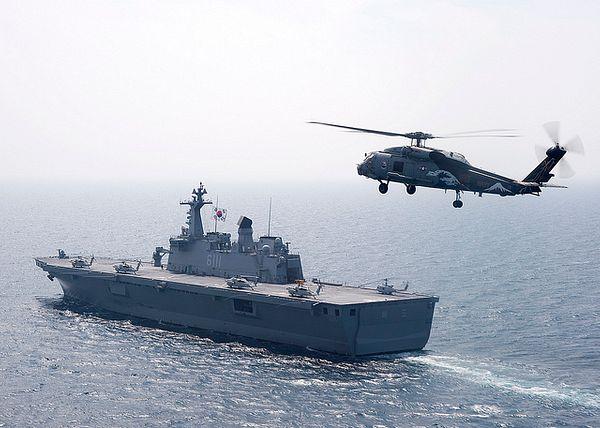 Fuerzas navales coreanas llegan cuando buques cisterna se enfrentan a la amenaza de más incautaciones iraníes