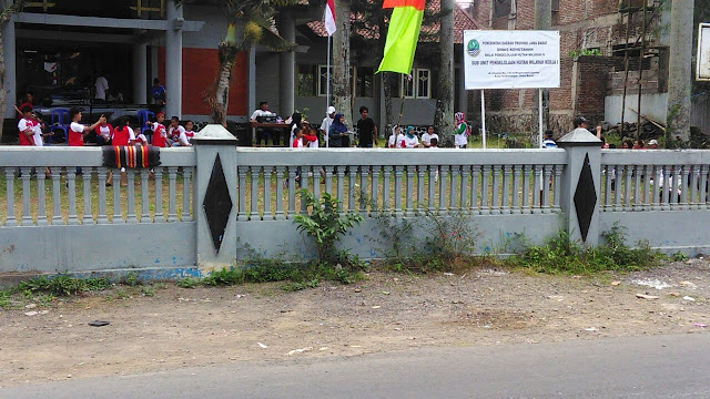 Kemeriahan acara dalam rangka HUT RI ke-72 di halaman kantor Sub Unit I, BPHW IV, Dishut Jabar. Foto : istimewa.