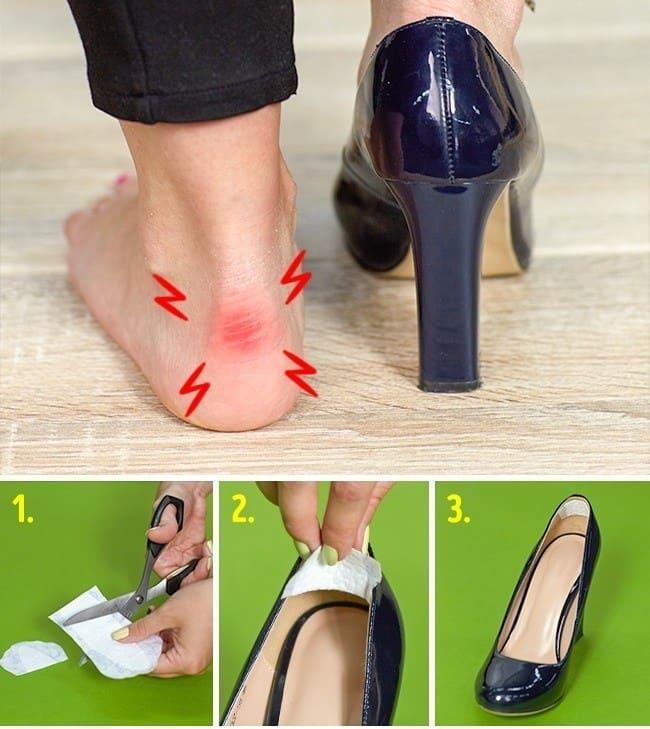 810fc00bc إذا لم يكن متوافر لديك أي ضمادات لوضعها داخل الحذاء لمنع احتكاك الجلد  بقدمك، قم بقطع قطعة من فوطة صحية والصقها في حذائك لمنع الحكة.