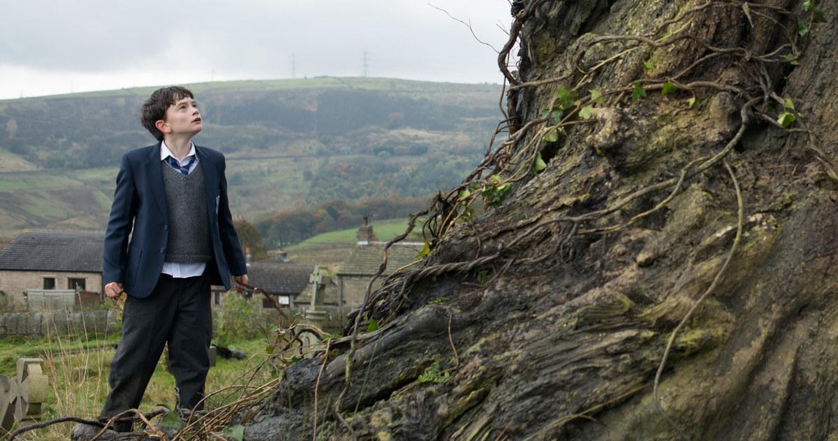 A Monster Calls do mesmo diretor de O Orfanato ganhar trailer emocionante