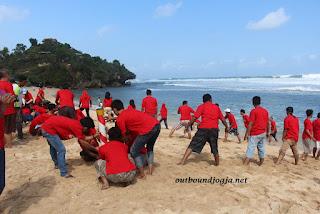 Outbound di Pantai Indrayanti