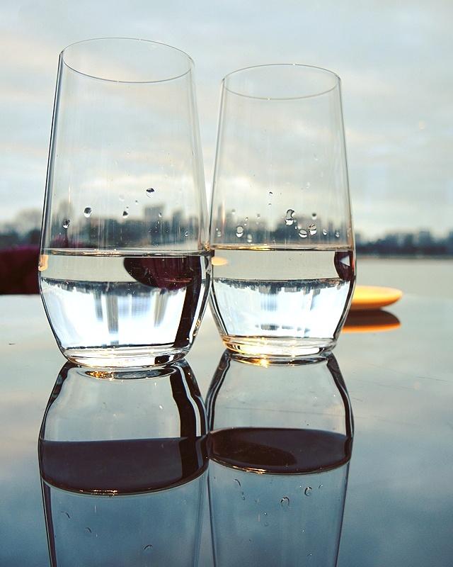 2 glazen water