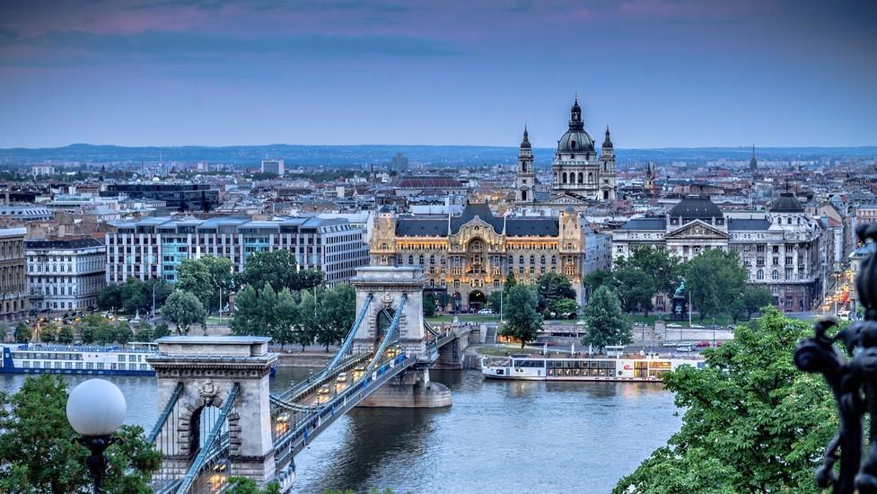 Aeroporto Ungheria : Scaduta offertissima budapest a settembre poracci in