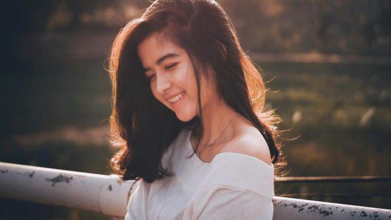 Tidak Ada Kebahagiaan Yang Lebih Indah, Kecuali Melihat Kamu Tersenyum Bahagia Bersamaku