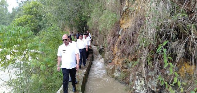 Bupati Tinjau Drainase Sungai Hasak II Untuk Menghindari Gagal Tanam Padi