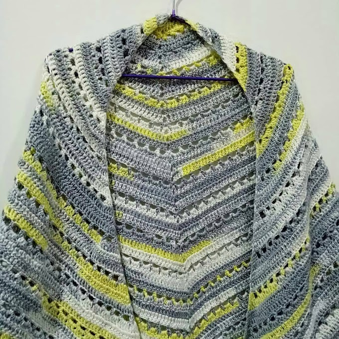 Crochet Shawl Segitiga