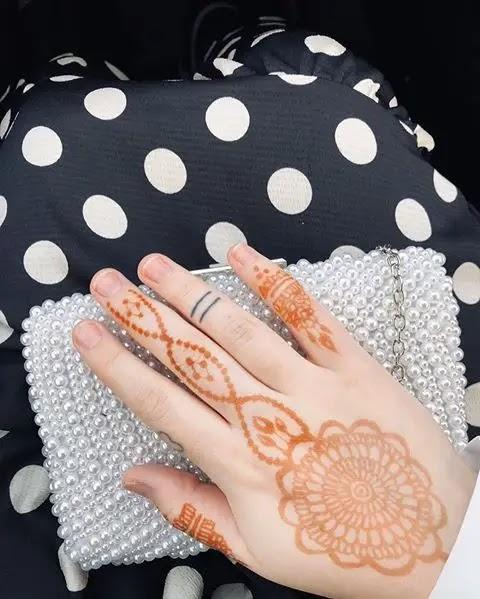 jewel-finger-mehndi