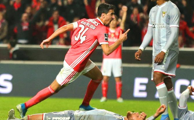 André Almeida deu a vitória ao Benfica
