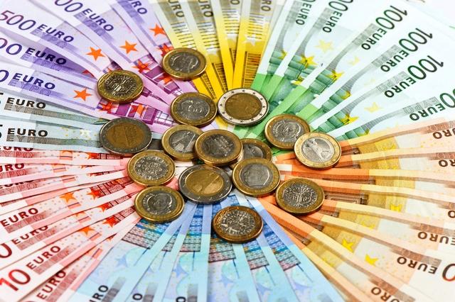 2361a1a9845f Μόνο 1 ευρώ