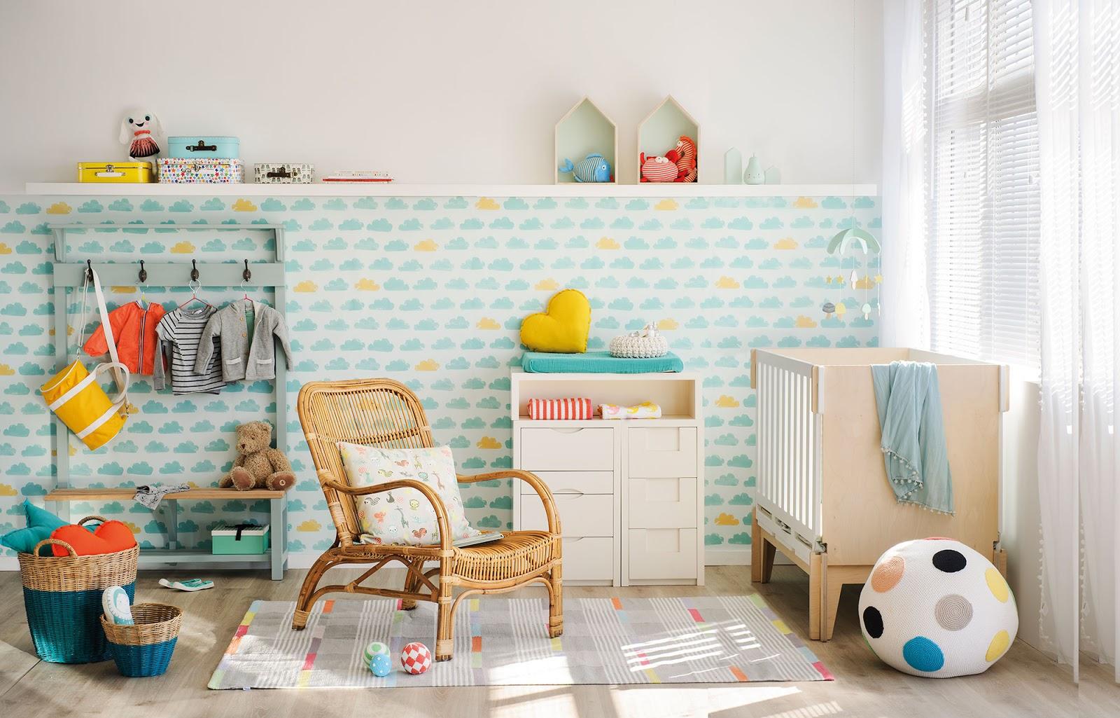 Amenajare colorată și veselă pentru camera unui bebeluș