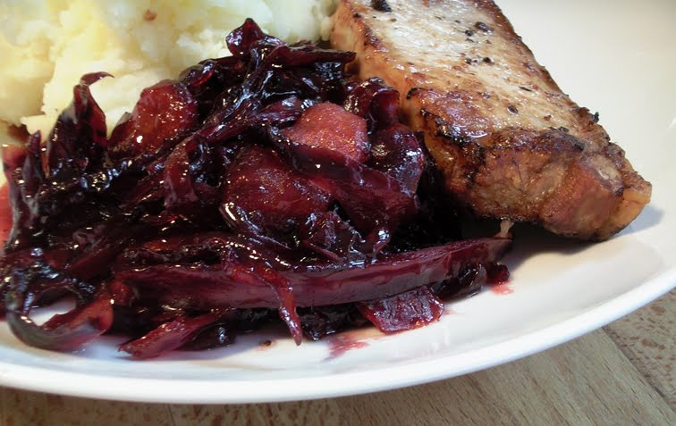 Red Cabbage with Onion and Apple