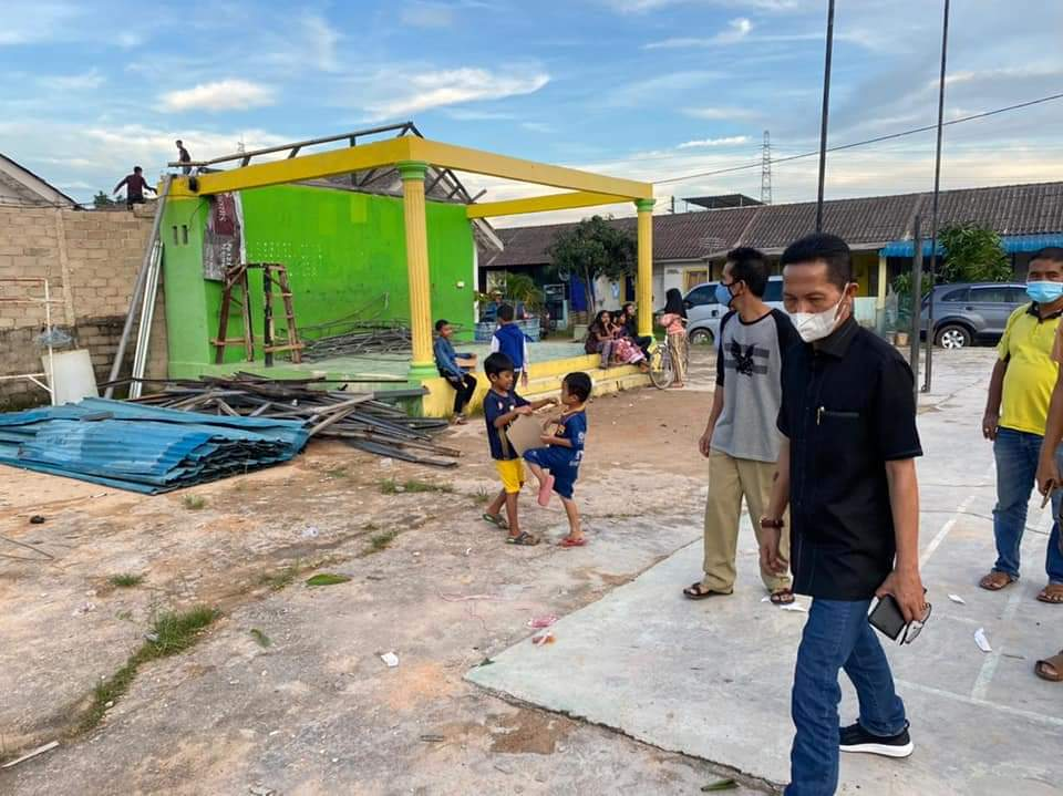 Tinjau Warga Yang Terdampak Puting Beliung, Rudi-Amsakar Siapkan Bantuan Untuk 54 Rumah Yang Terdampak