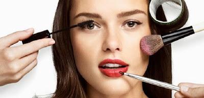 Kesalahan Wanita Pakai Make Up Yang Membuat Kulit Wajah Berjerawat