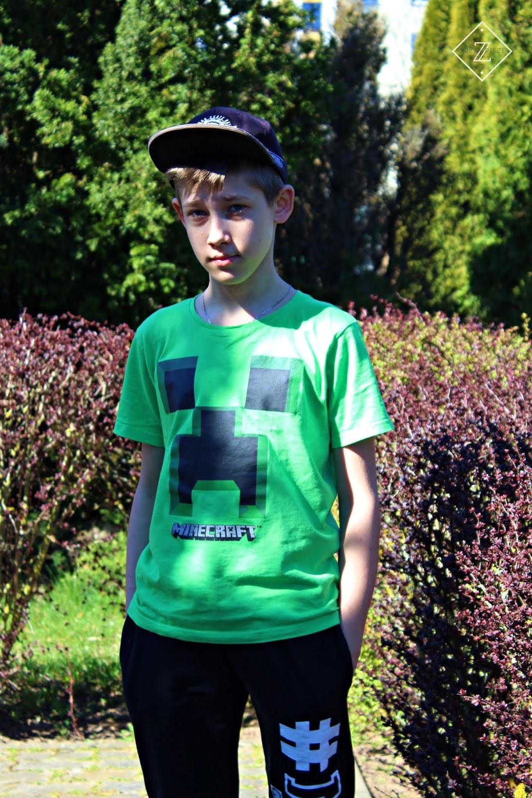 Stylizacja dla nastolatka - BONPRIX z koszulką dla gracza minecraft