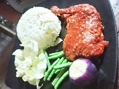 Ayam Plecing di Senggigi Lombok