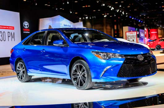 2016 Toyota Camry LE Specs Blue Canada