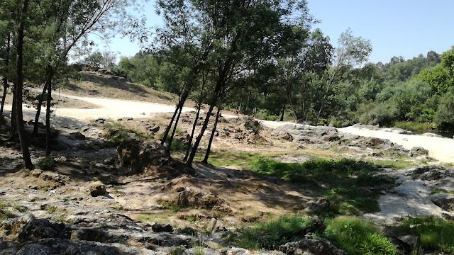 Zona de sombra na margem do Rio