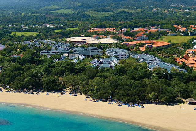 Sunscape Puerto Plata redefines all-inclusive and is the ideal setting for an unforgettable vacation! Perfectly situated on the beautiful golden beach of Playa Dorada, one of the most stunning beaches in the Dominican Republic, and only 20 minutes from Puerto Plata International Airport.