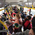 Prefeitos e governadores continuam agindo como se o vírus não pegasse em ônibus lotado