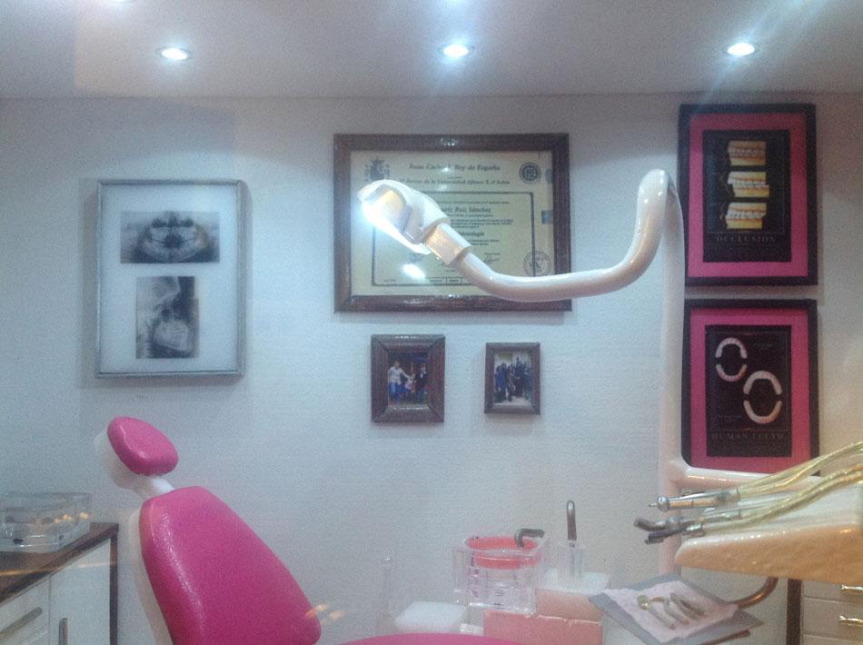 Miniaturas modernas cl nica dental - Decoracion clinica dental ...
