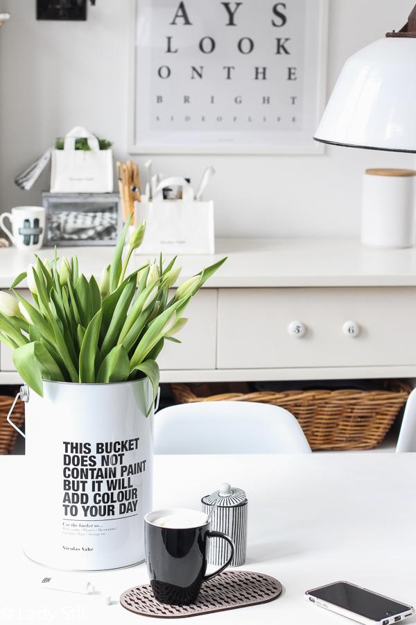 Osterkörchen für Erwachsene, DIY Tasse bemalen,Nicolas Vahe Farbeimer weiß