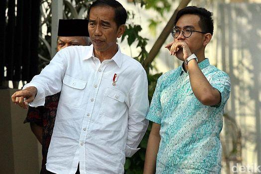 Jokowi sedang Bangun Dinasti Politik