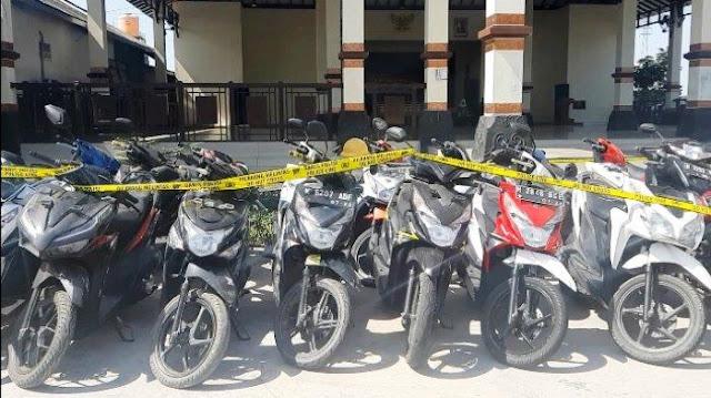 Ini 41 Sepeda Motor Curian yang Diamankan Polres Demak, Yang Kehilangan Silakan Ambil, Tolong Share Pada Yang Lain!