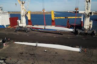 http://vnoticia.com.br/noticia/2938-porto-do-acu-recebe-carregamento-com-pas-para-parque-eolico-de-gargau