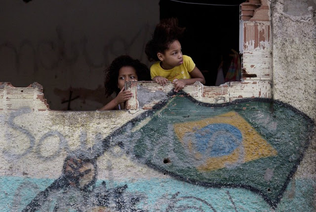 Rio's kids are dying in the crossfire