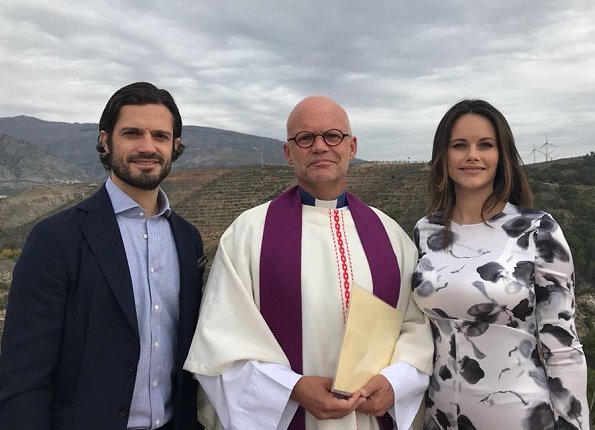 Prince Carl Philip and Princess Sofia Hellqvist in Costa del Sol in Spain for autumn holiday. Prince Alexander