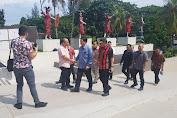 Kandouw Minta Jajaran Badan Penghubung Pelihara Anjungan Sulut di TMII