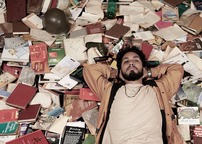 """Rashid antecipa álbum com a inédita """"Música de Guerra""""; confira clipe"""